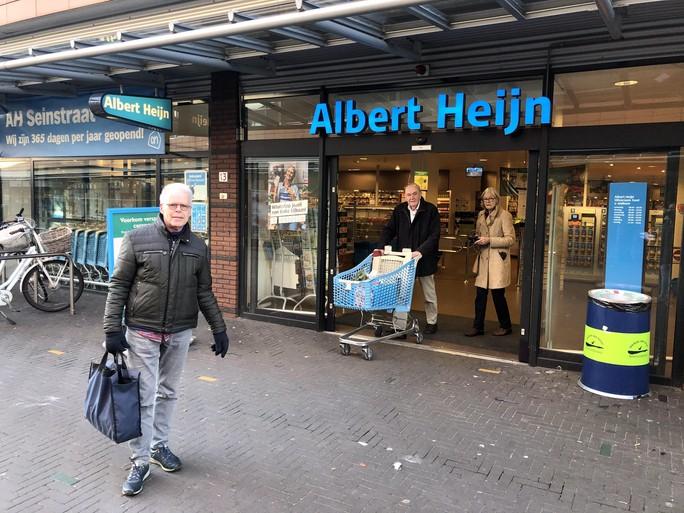 'Ouderenuurtje' bij de Albert Heijn op Seinhorst krijgt positieve reacties: 'Lekker rustig; ik heb longproblemen en kan niet voorzichtig genoeg zijn'