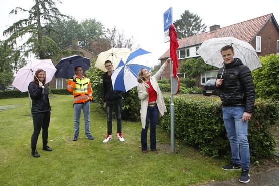 Rookvrije Buitenspeeldag; regen spelbreker bij estafette langs zes speelplaatsjes in de regio