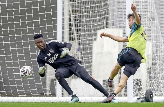 Voordat Onana een stap omhoog maakt, wil hij met Ajax dit seizoen drie prijzen