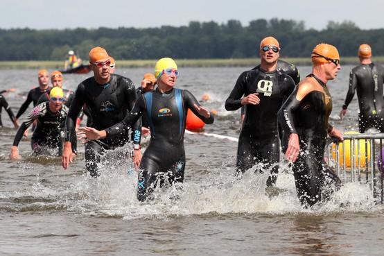Regionale triatleten laten Huizen links liggen en trekken naar Nederhorst