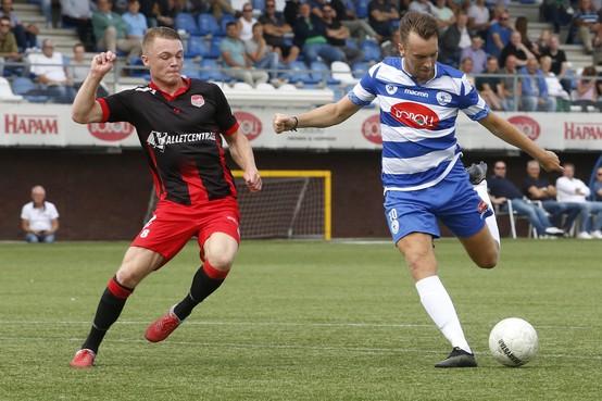 Oefenvoetbal: Vogels prolongeert winst Harry Hamstra Cup, Roy Castien imponeert bij Spakenburg