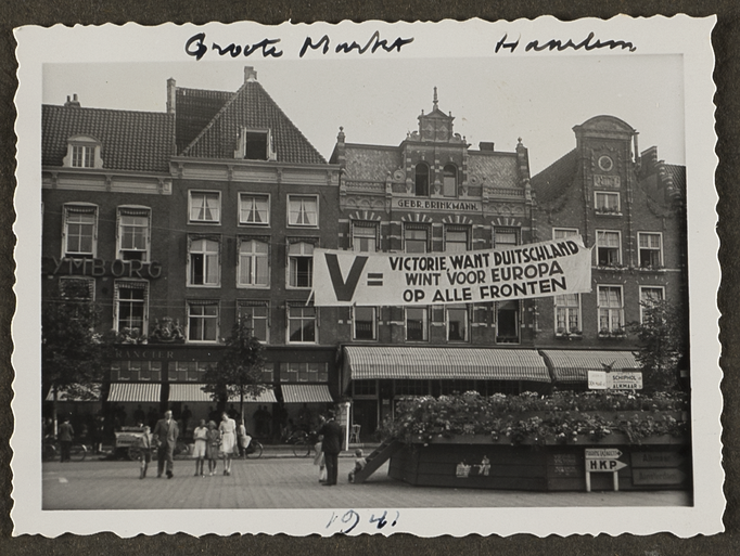 Stiekeme foto's van vijf donkere oorlogsjaren in Haarlem en Zandvoort