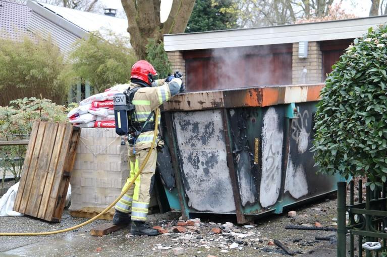 Bouwcontainer gaat in vlammen op in Bussum