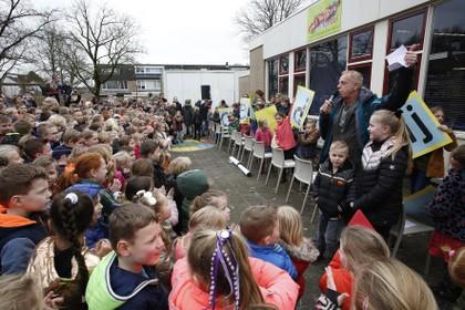 Wereldwijs is de naam van het eerste nieuwe kindcentrum (met twee pc-scholen) in Loosdrecht