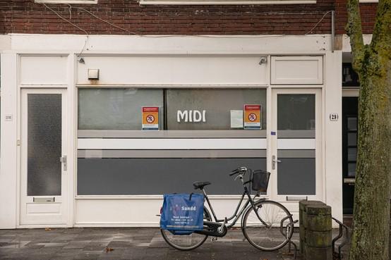 Eigenaar koffiehuis woedend om sluiting door Hilversumse burgemeester: 'Het is geen drugspand'