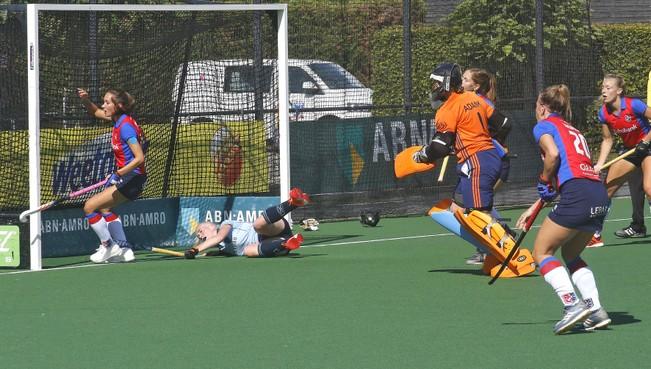 Hockey: Dames van Laren komen flink tekort tegen kampioenskandidaat SCHC bij debuut Marc Materek als coach