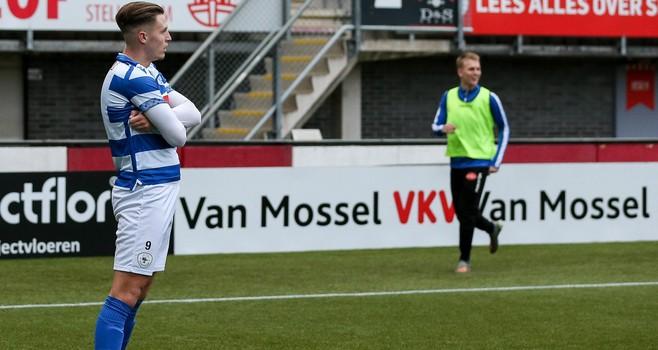 Clubtopscorer Versteeg mag weer eens starten en leidt Spakenburg langs Jong Sparta