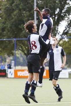 Tweede klasse (zaterdag): Victoria lijdt voor het eerst puntenverlies, nederlagen voor Loosdrecht en BFC