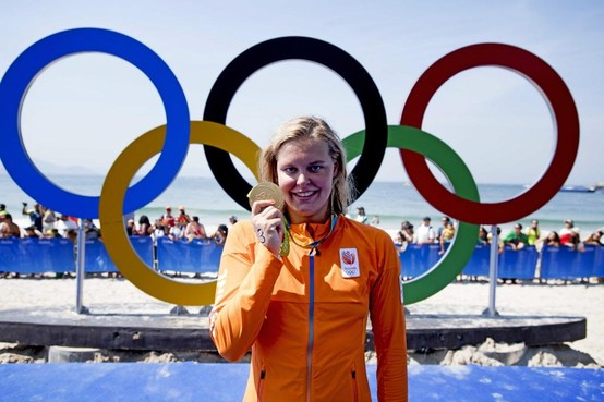 Geboren Baarnse Sharon van Rouwendaal nog zeker een jaar langer regerend olympisch kampioene: 'Vooral fijn dat ik nog een jaar langer kan trainen'
