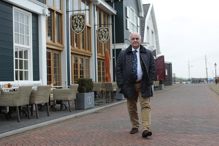 Burgemeester Hertog neemt ontslag wegens 'grensoverschrijdend gedrag' [update]
