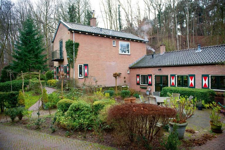 Bijzonder wonen: In oude bollenschuur in Santpoort-Noord, omgeven door natuur
