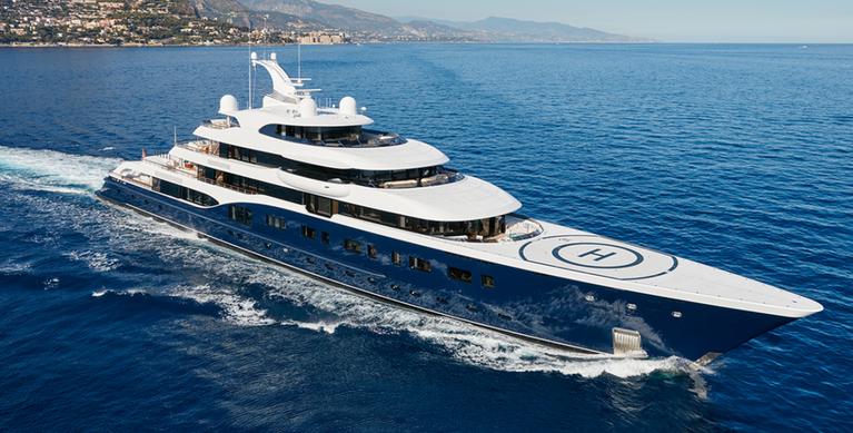 Mooier, luxer en vooral steeds groter: Máxìma opent nieuwe werf voor superjachten van Royal van Lent