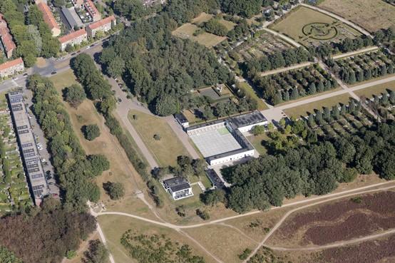 Veel mis met Uitvaartstichting Hilversum: raad verkeerd geïnformeerd en financiële risico's