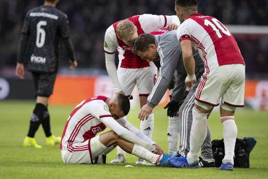 Scheurtje in kuitspier houdt Ziyech weken aan kant bij Ajax