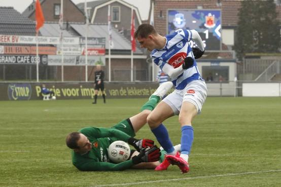Aanvaller Robin Eindhoven verlengt zijn contract bij Spakenburg met nog een seizoen