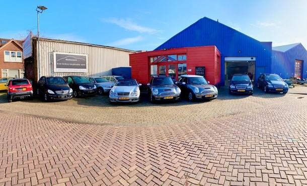 Klokker Auto's tevreden in nieuwe hal aan de Zuiderweg in Hilversum na langdurige 'zwembadkwestie'