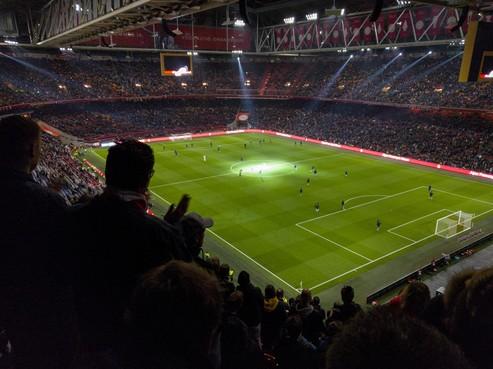Ajax wellicht toch de transfermarkt op