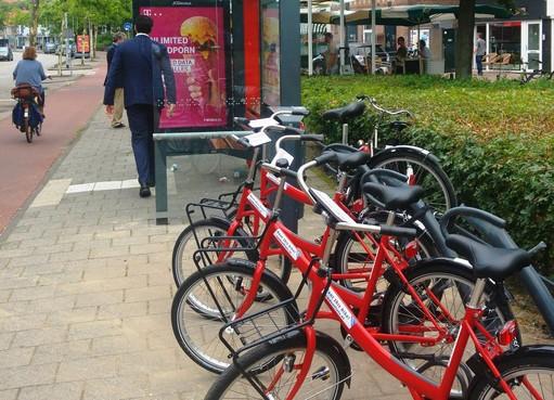 OV-deelfiets bij busstation Huizen