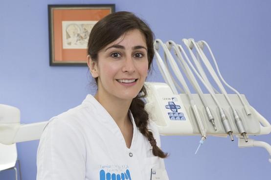 Hilversumse tandarts Tara al Kadi (32) naar Nepal