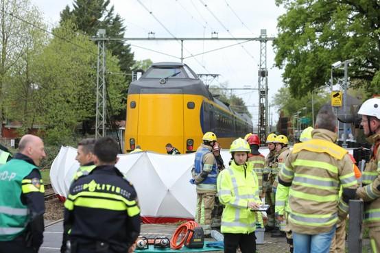 'Spoorwegovergang Bussum levensgevaarlijk'
