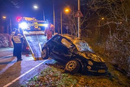 Achttienjarige bestuurder zware crash Laren aangehouden: geen rijbewijs, wel drank op