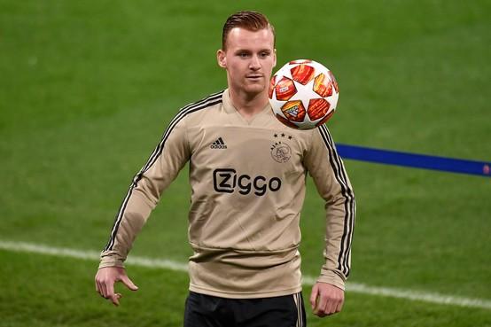 Kleine Noord-Hollandse derby tussen Jong Ajax en Jong AZ eindigt in een gelijkspel [video]