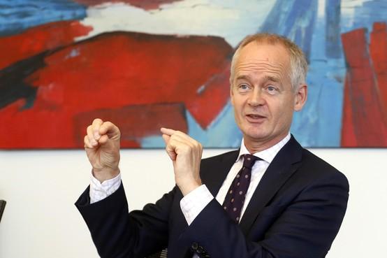 Niek Meijer, de nieuwe burgemeester van Huizen, houdt van aanpakken en duidelijkheid