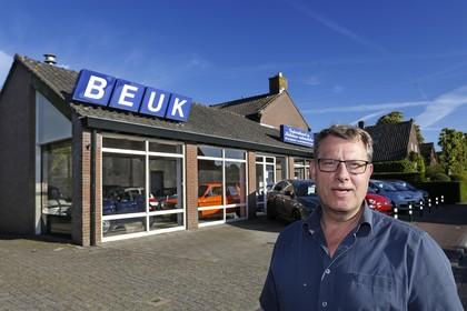 Eemnes raakt veel karakteristieke bedrijven kwijt, want ook garage Martin Beuk gaat stoppen: een rare snuiter met goed hart