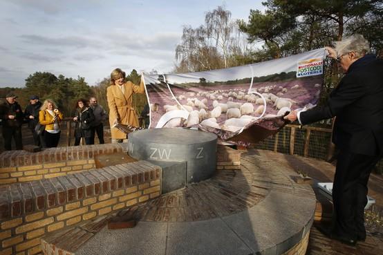 De Tafelberg, het hoogste punt van het Gooi, is officieel geopend; eeuwenoude trekpleister is klaar voor de toekomst
