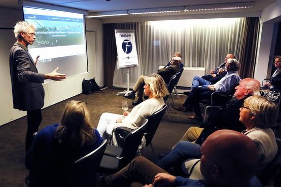 Dringen voor presentaties Gebiedsakkoord in Loosdrecht