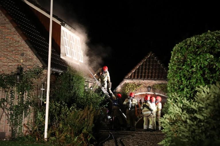 Brand in woning Blaricum, bewoonster naar ziekenhuis
