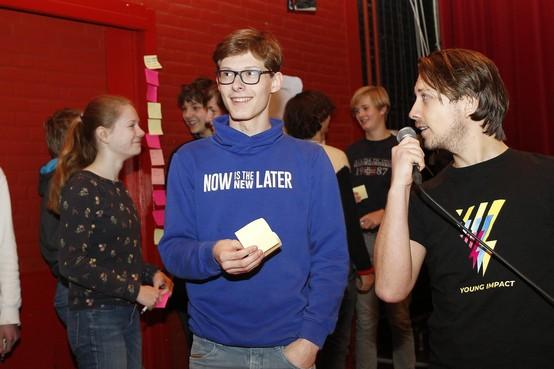 Leerlingen Goois Lyceum dragen maatschappelijk steentje bij: 'Ik hoop dat jongeren ervaren dat het fijn is om iets voor anderen te betekenen'