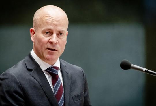 Gooise Meren en Dudok Wonen botsen over sociale huurwoningen, minister Knops moet knoop doorhakken