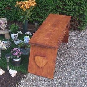 Kostbaar bankje begraafplaats Bussum teruggevonden