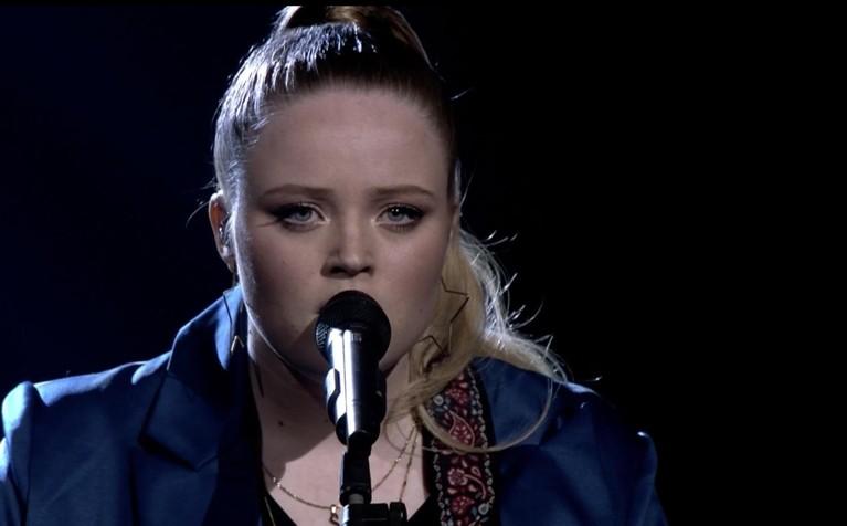 Sophia (17) uit Weesp staat vrijdagavond in de finale van The Voice of Holland; 'Het is gewoon prachtig', zei Anouk [video]