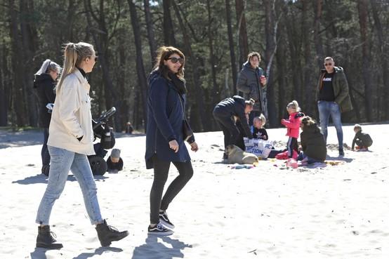 Coronamaatregel: Soest beperkt parkeermogelijkheden bij bossen en duinen om mensen uit elkaars buurt te houden