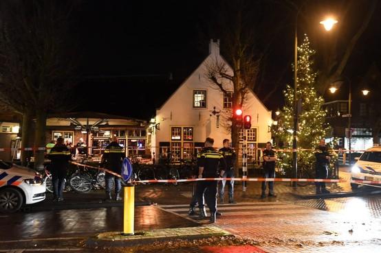 Ooggetuige schietpartij Laren duikt de keuken van t' Bonte Paard in om te ontsnappen aan het gevecht: 'Het glas vloog over de tafels'