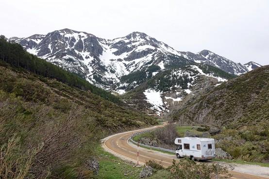 Avontuurlijk en een tikje apocalyptisch, redt zo'n veilige camper onze zomer?