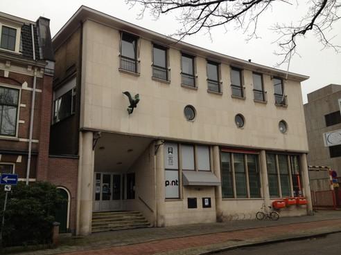 Zorgen bij PvdA Hilversum over nieuwbouwplannen aan de Kerkbrink: 'Prijzen van woningen postkantoor te hoog'
