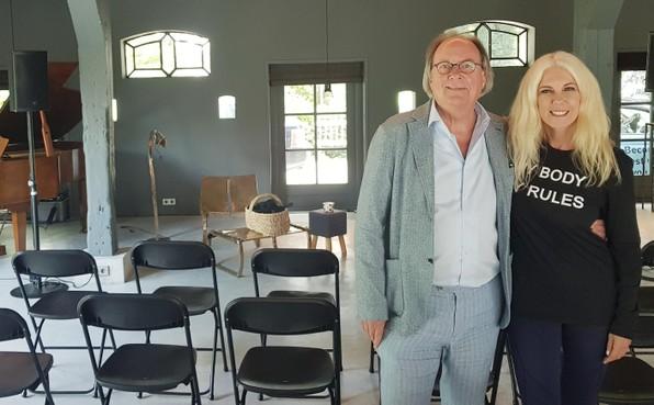 Ex-callgirl Lisa Staal treedt op met eigen show in Blaricum: 'Billen- en tietenknijpers mogen niet ongestoord hun gang blijven gaan'