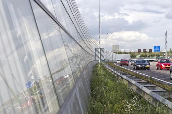 College stopt onderzoek naar geluidsscherm langs A27 bij Hilversum