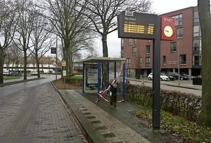 Deadline voor jeugdige abri-slopers in Huizen verlengd; 'voelsprieten jeugdboa's en wijkagenten staan uit'