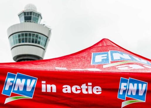 KLM-uitzendkrachten eisen vaste aanstelling