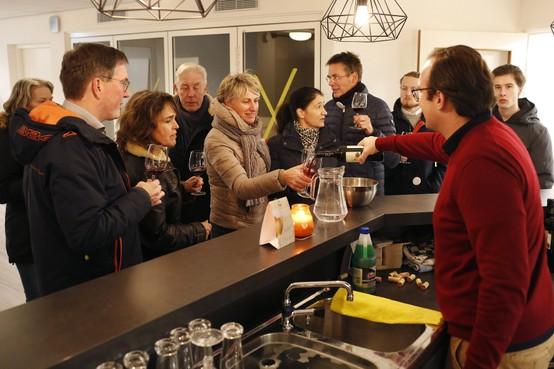 Wijn proeven op 27 locaties in het oude dorp van Blaricum