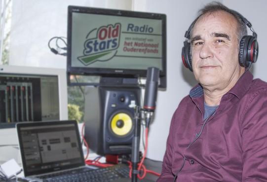 Larens raadslid Eric Hurink maakt podcast voor OldStars die thuis zitten [audio]