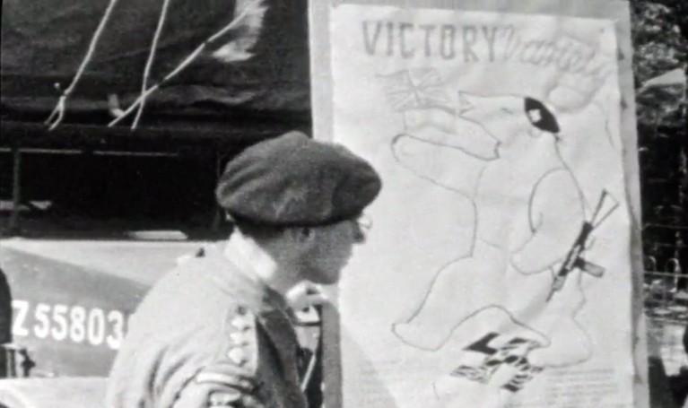 Nieuwslezer Frits Thors maakte unieke beelden van bevrijding van Baarn en Hilversum; 'Heel Baarn was één groot feest' [video]