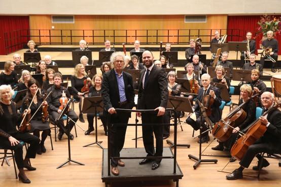 Goois Symfonie Orkest brengt muzikaal eerbetoon aan jubilerende componist Ruud Bos. Zijn film en theatermuziek blijft ook als concertmuziek goed overeind