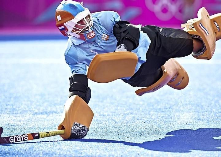 De keepershanden redden nu mensenlevens: olympisch hockeykampioen Joyce Sombroek maakt hectische tijd mee als huisarts in opleiding