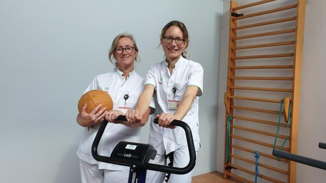 Uren tv kijken vanuit je ziekenhuisbed is in nieuw Tergooi verleden tijd; 'Líggen in het ziekenhuis wordt bewégen in het ziekenhuis', zeggen fysiotherapeuten Marja en Mercia