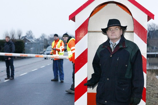 Lintje voor 'president republiek Horstermeer' Henk Stuijver